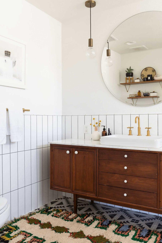 5 Staple Pieces for a Classic Mid Century Modern Bathroom