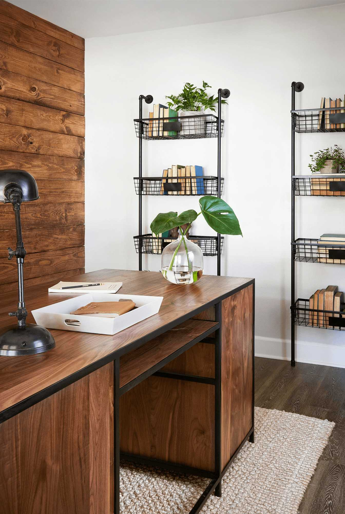 this-is-a-farmhouse-home-office-with-Black-Coated-Metal-Features-and-dark-oak-desk1