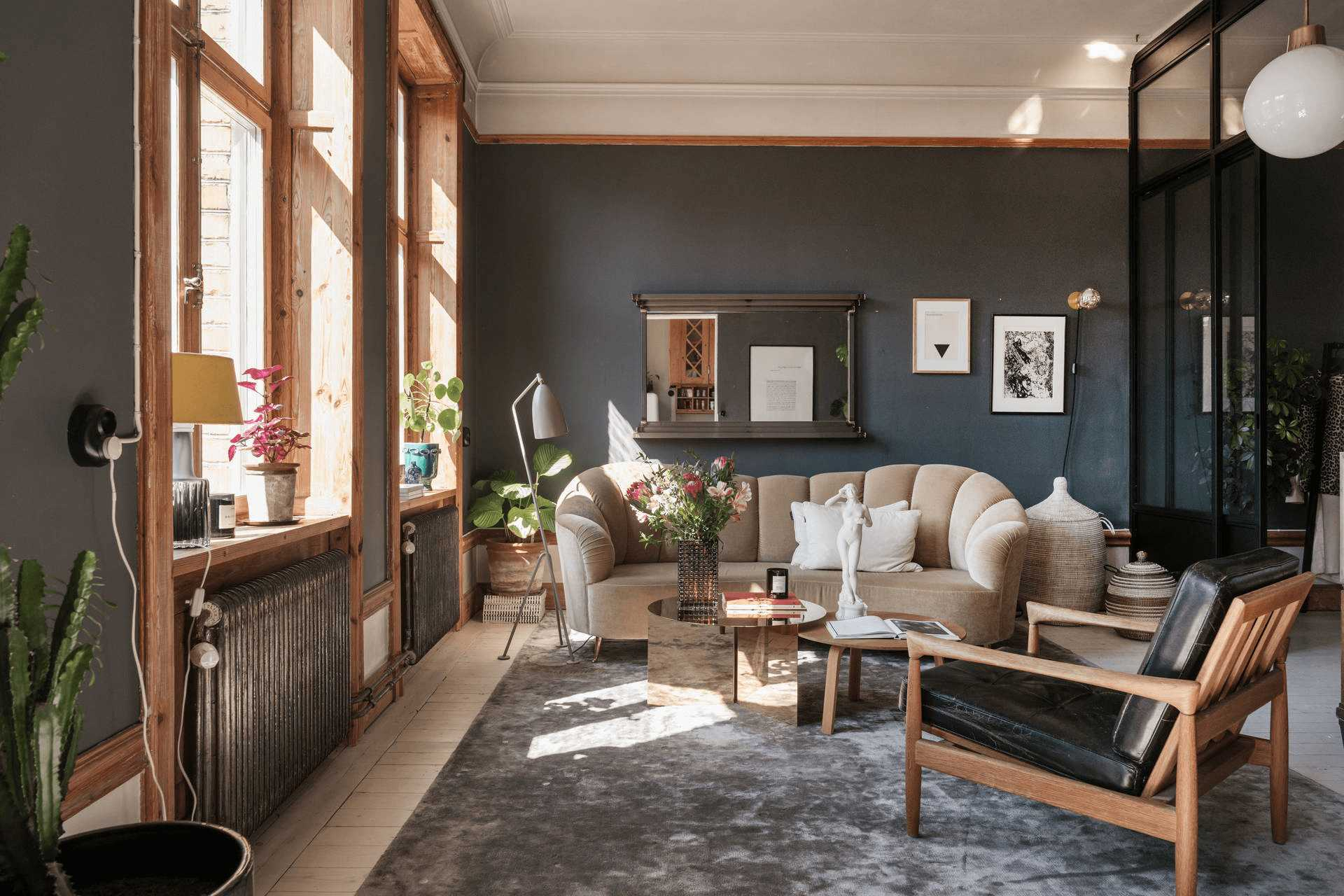 this-is-a-wooden-styled-Scandinavian-apartment-with-a-blend-of-industrial-and-vintage