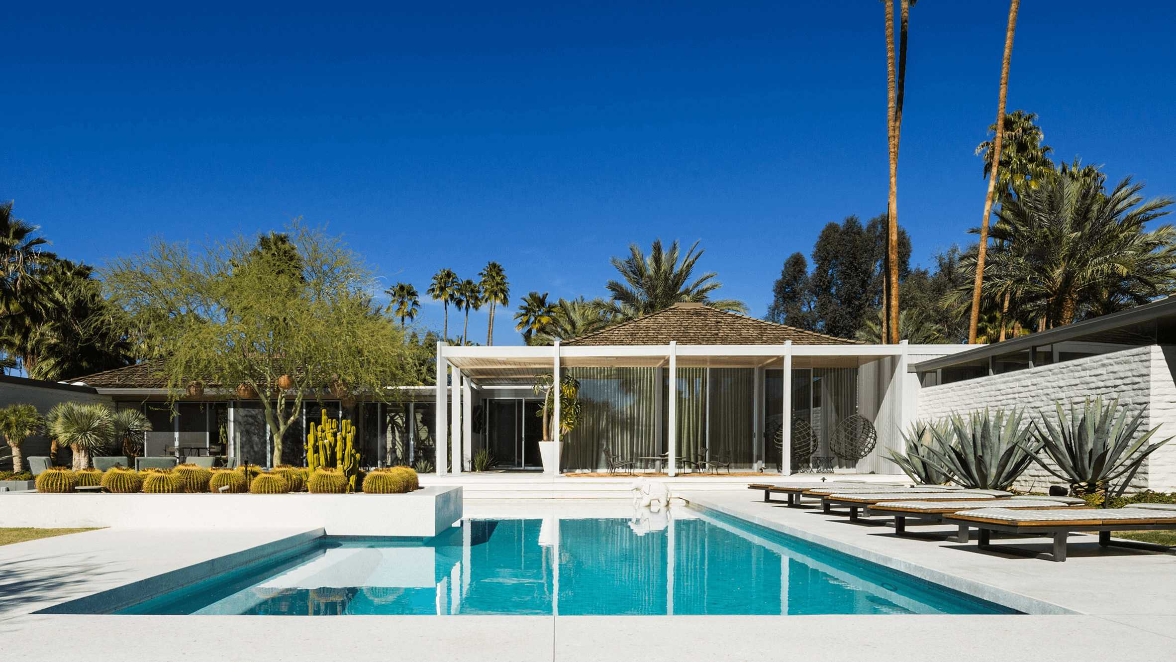 this-is-the-Abernathy-Residence-located-in-Palm-Springs-and-designed-by-William-F-Cody-in-1962