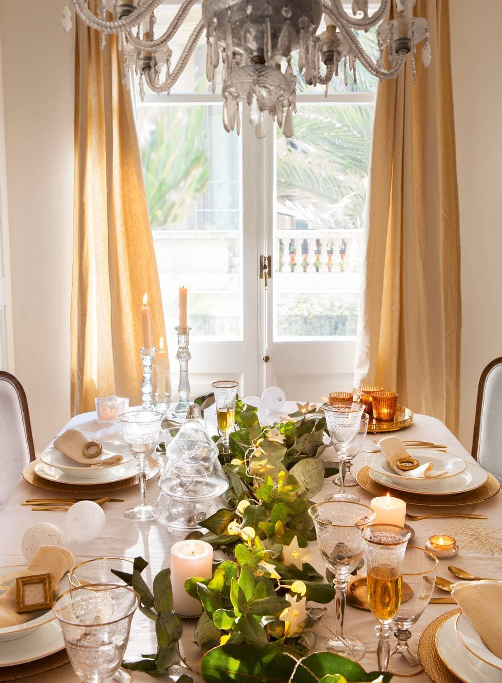 this is a pink and gold christmas tablescape
