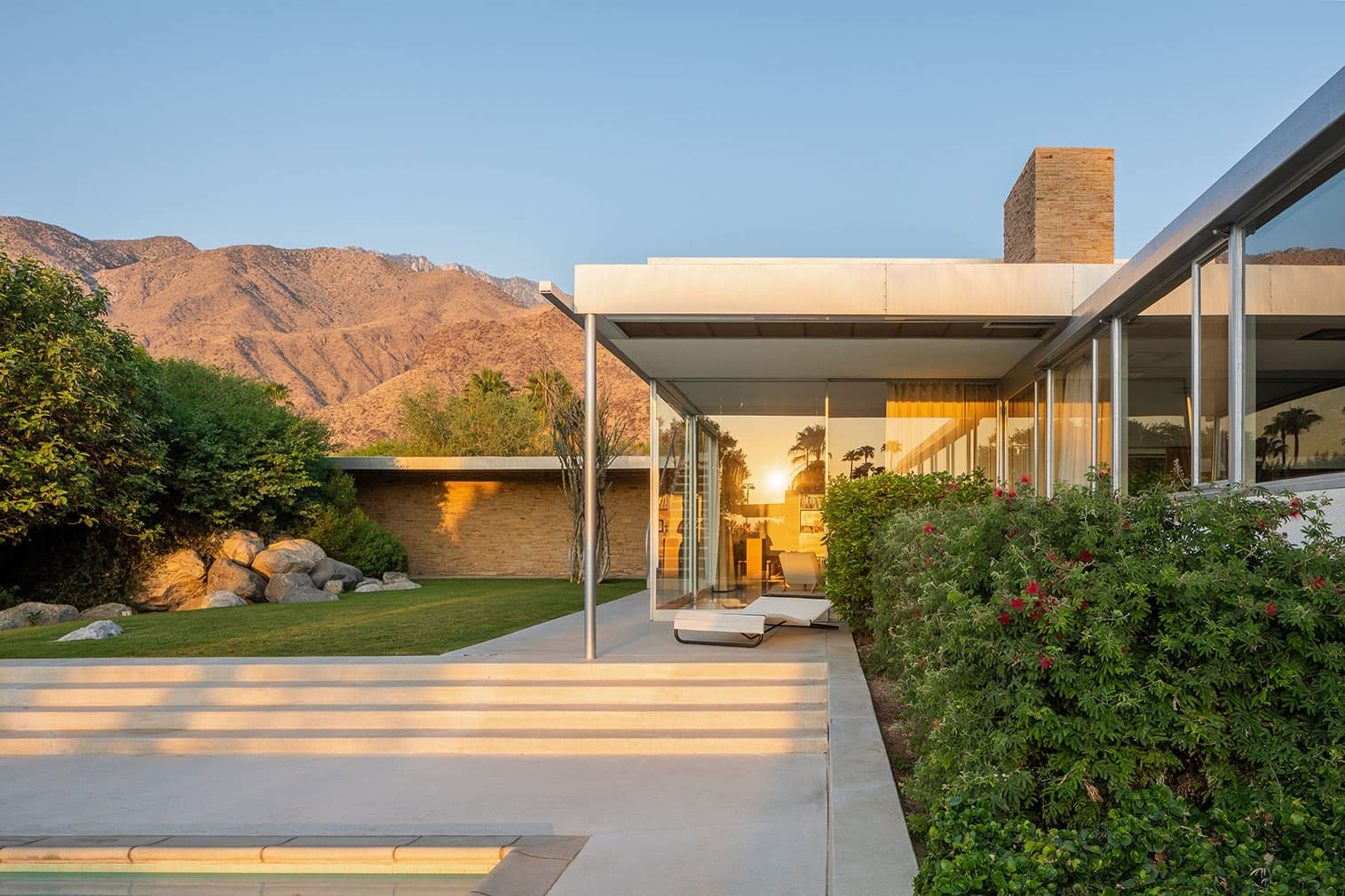 this is the garden of richard netra kaufmann desert house in palm springs