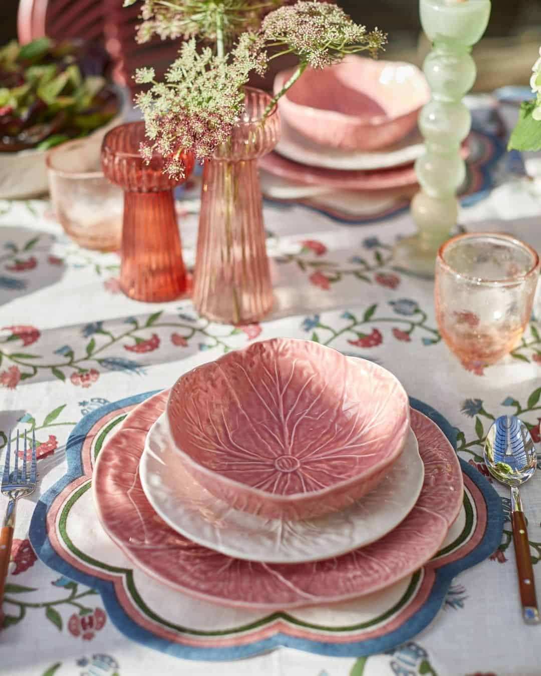 this is a tablescape inspired by pink colours by Birde Fortescue