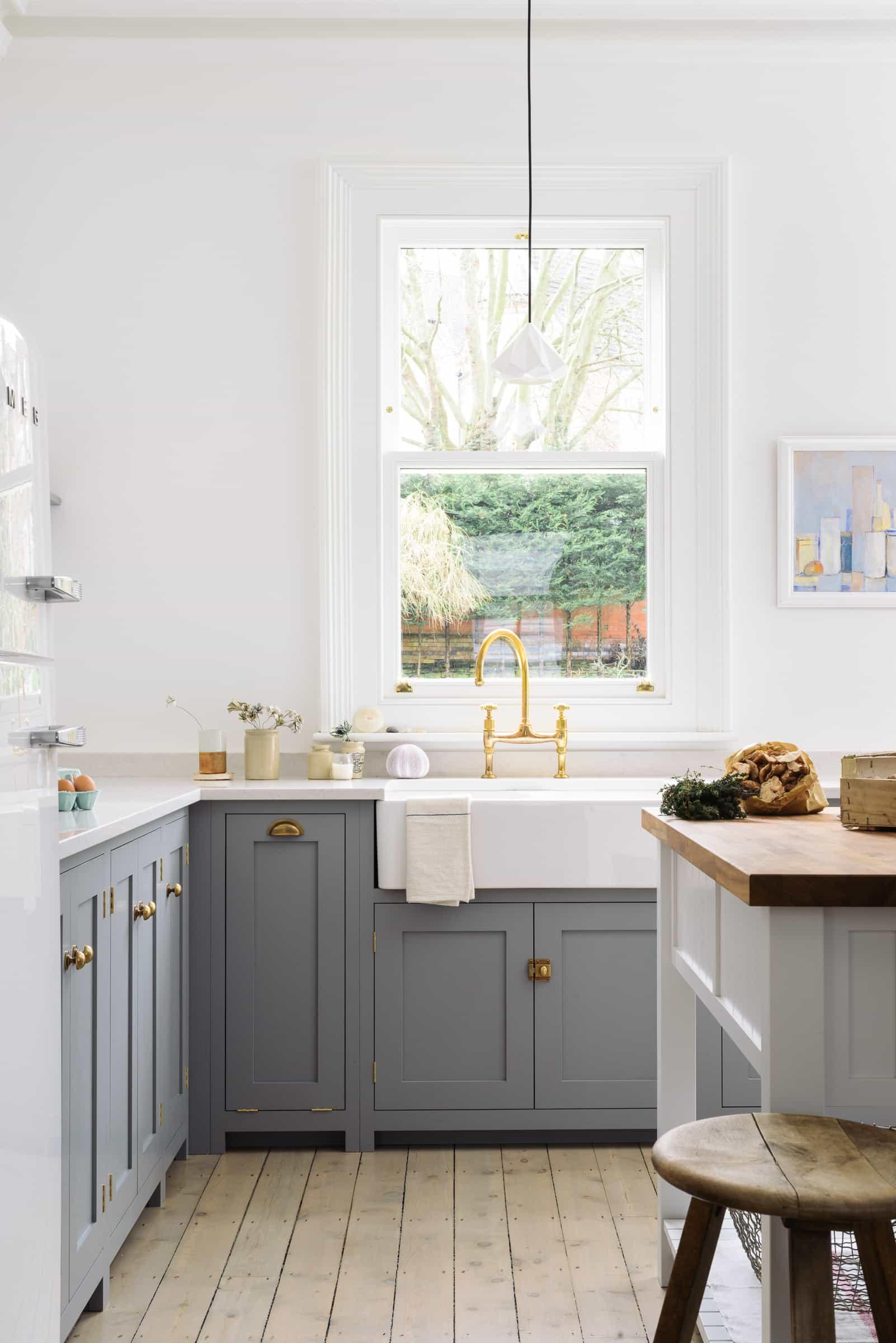 this is a deVOL farmhouse kitchen with a porcelain apron sink