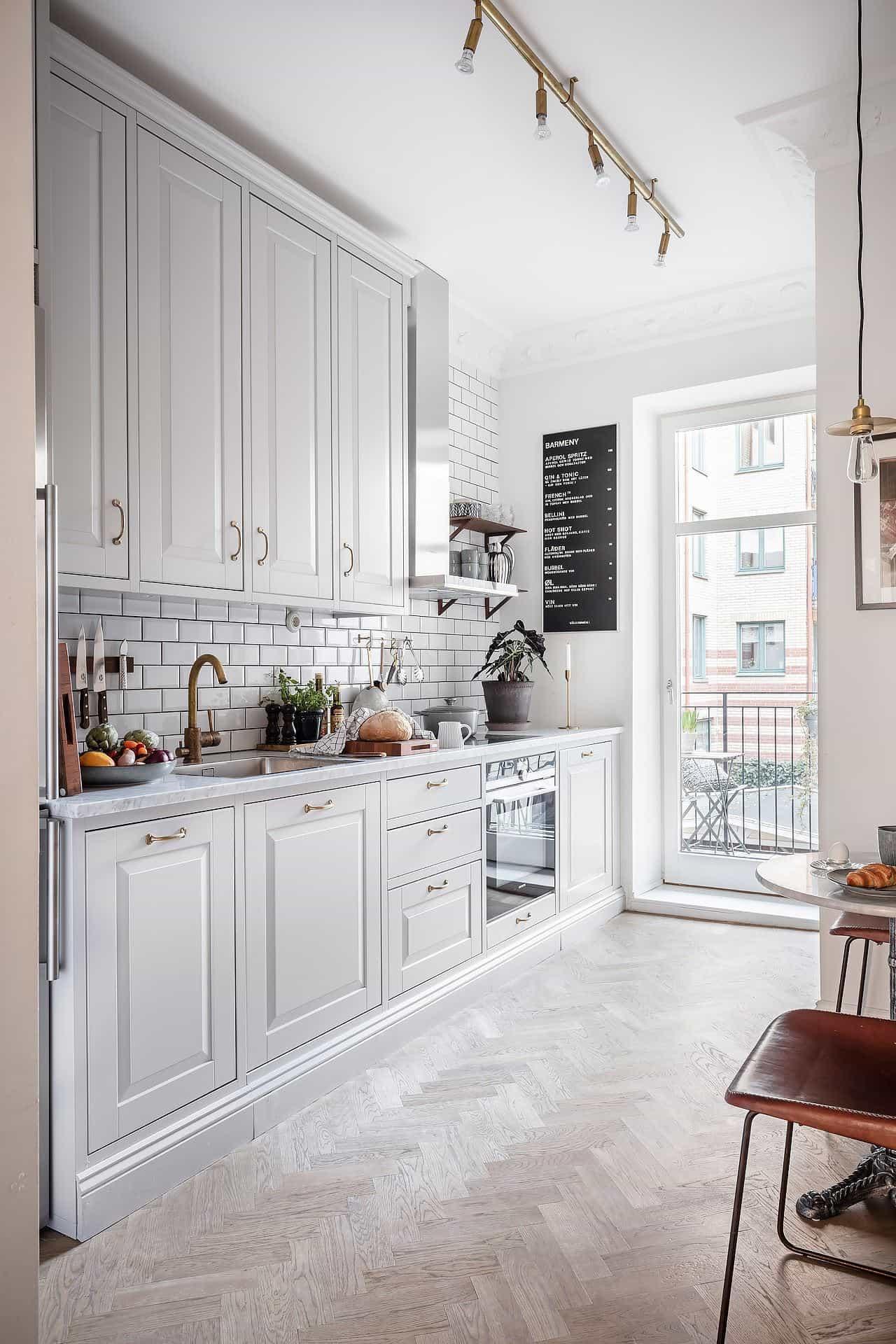 this is a small white kitchen _ alvhem