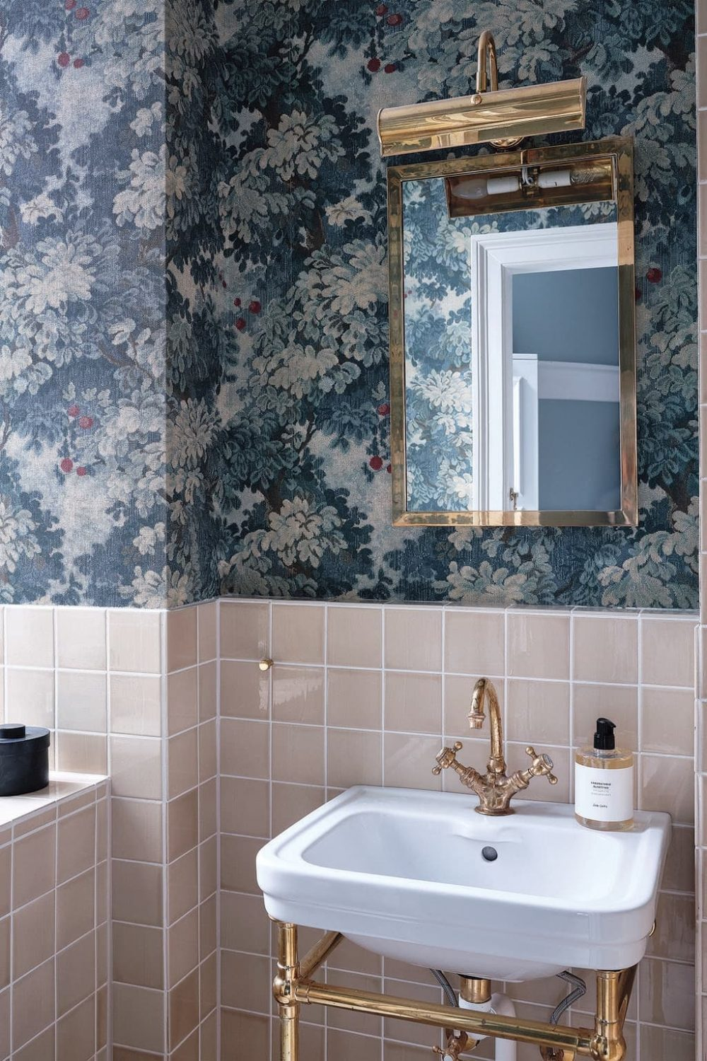 Wallpaper Trends: 5 Styles To Refresh Your Walls With