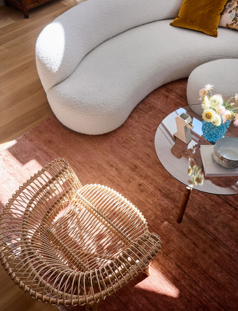'80s Inspired Curved Furniture Design is Back & It's Luxurious